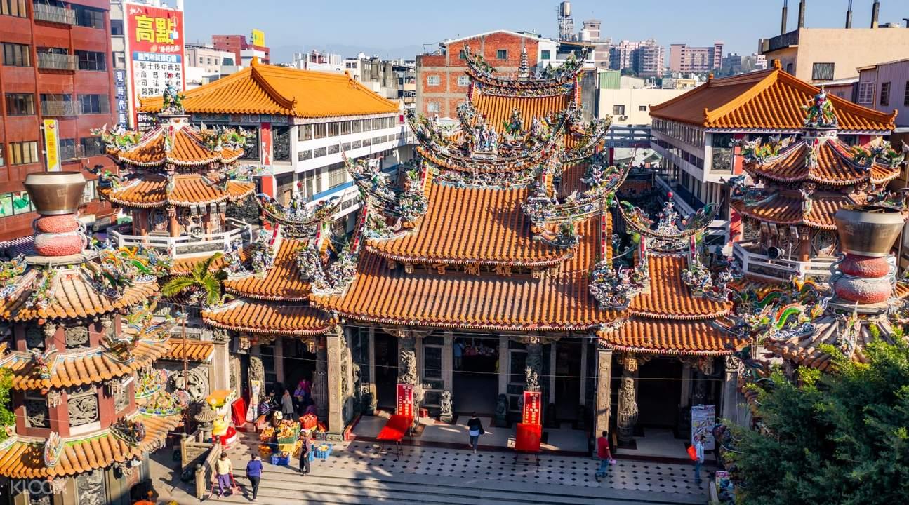 Dajia Jenn Lann Temple exterior