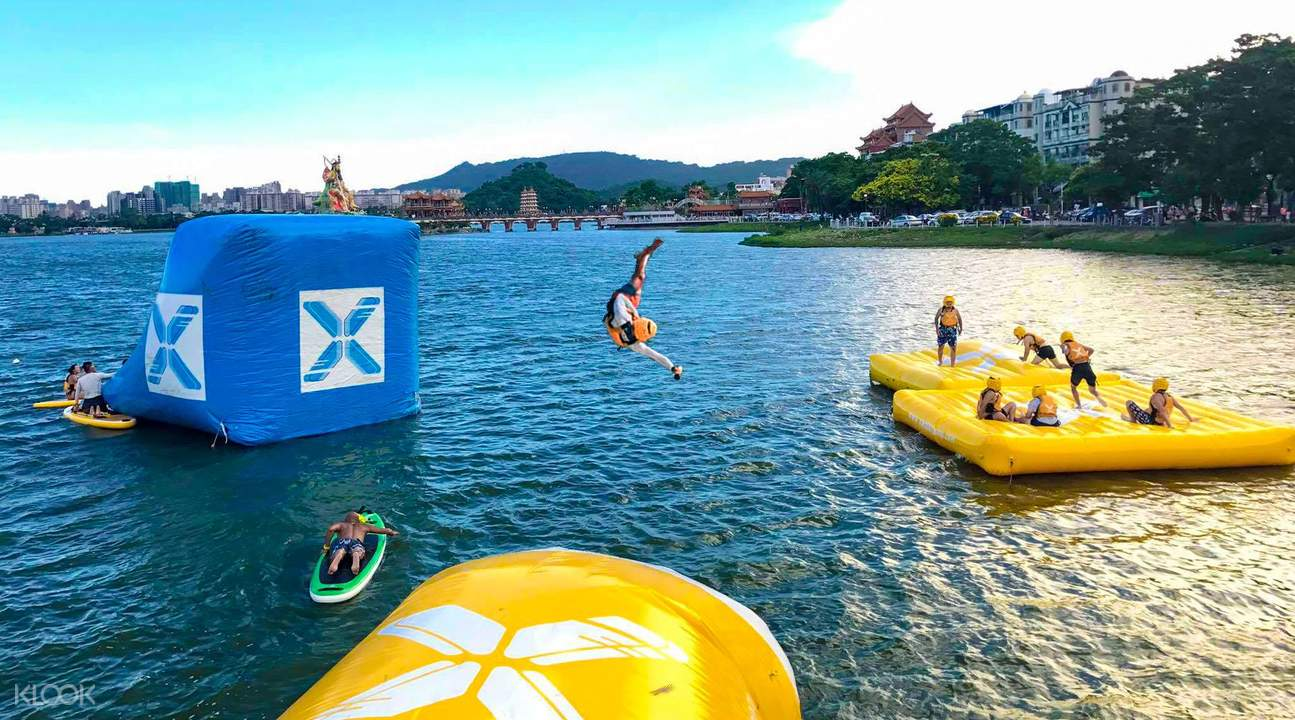 water blob jumping stand up paddle