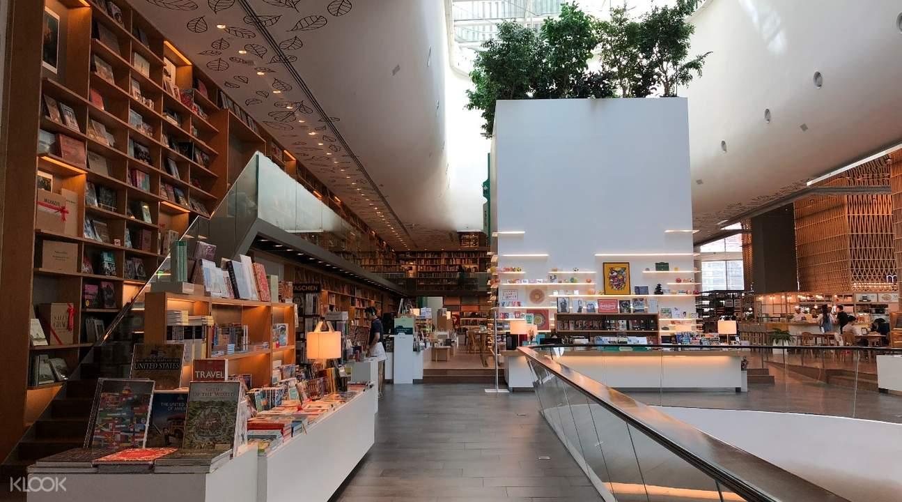 有「曼谷版茑屋书店」之称的Open House