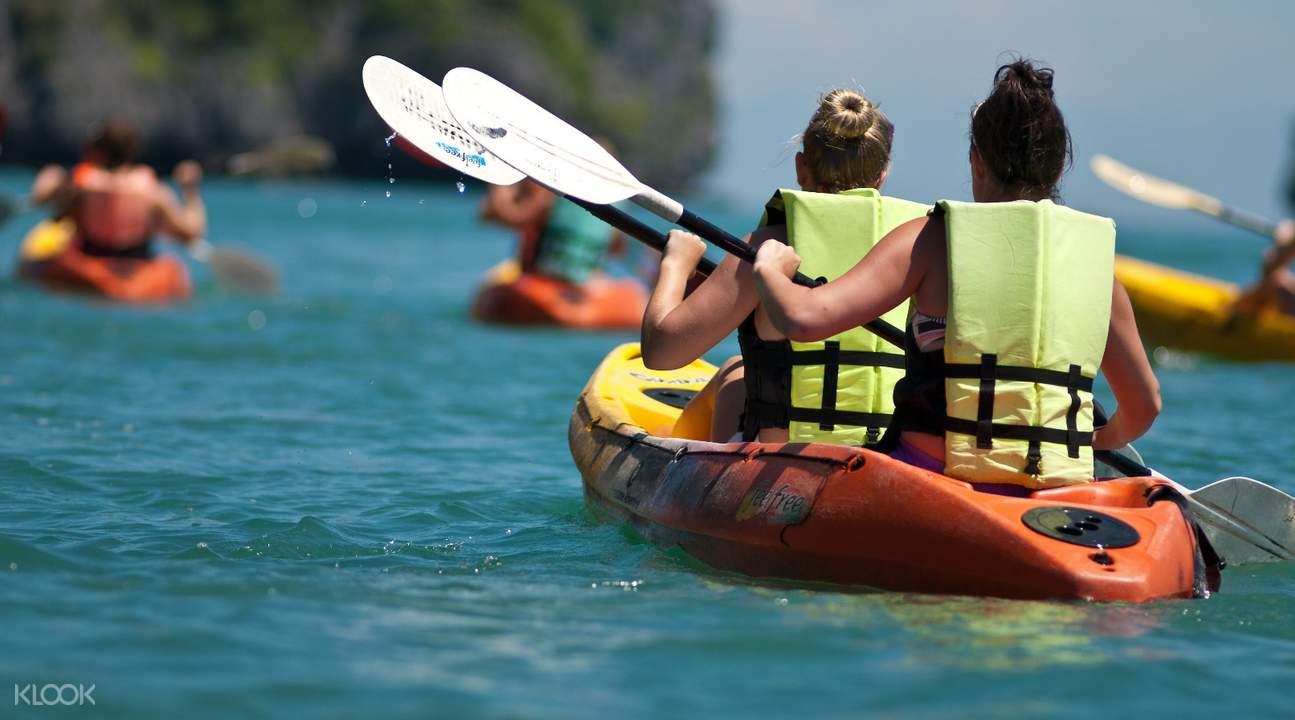 Kayaking in Koh Madsum