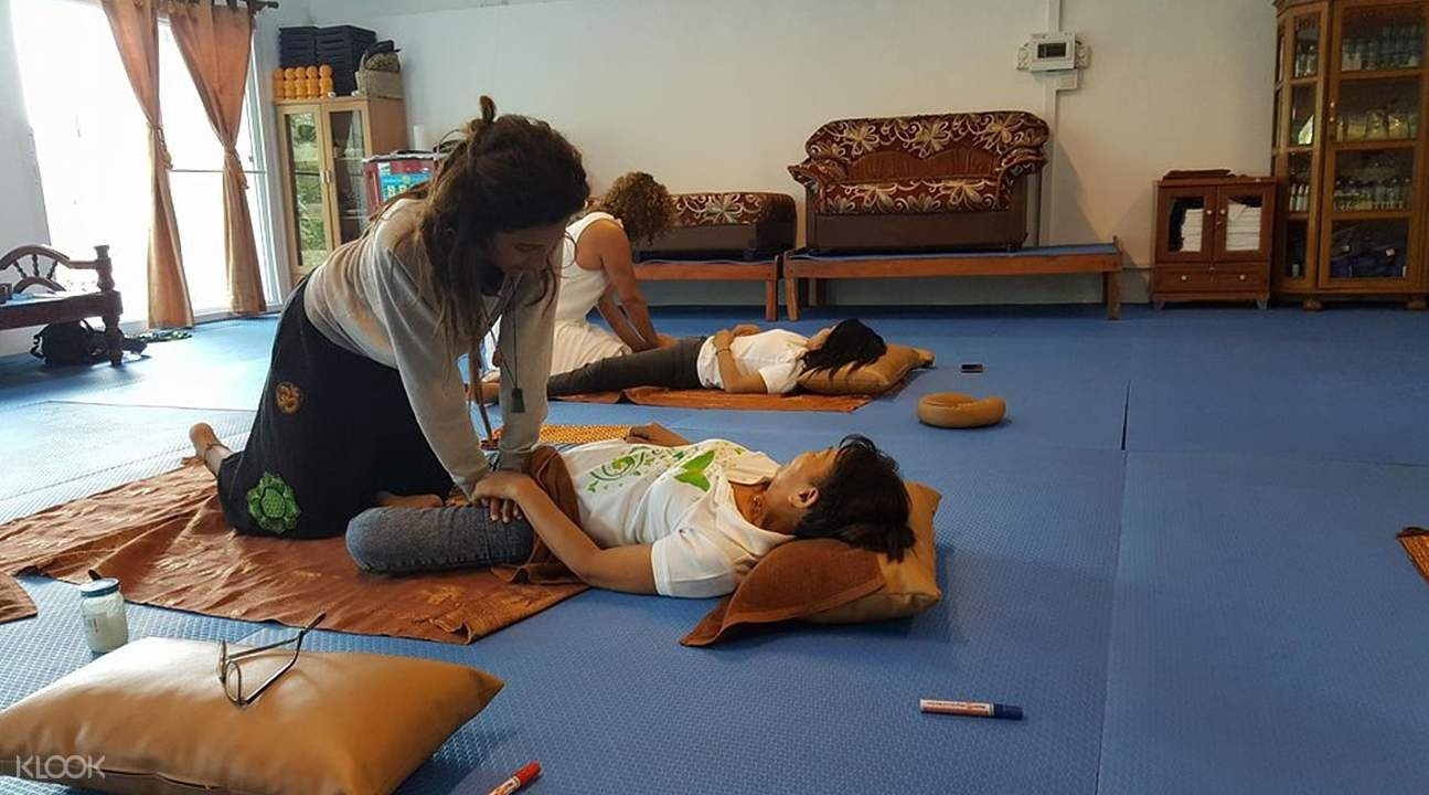 Private Thai Massage Class at Koh Phangan Vocational School