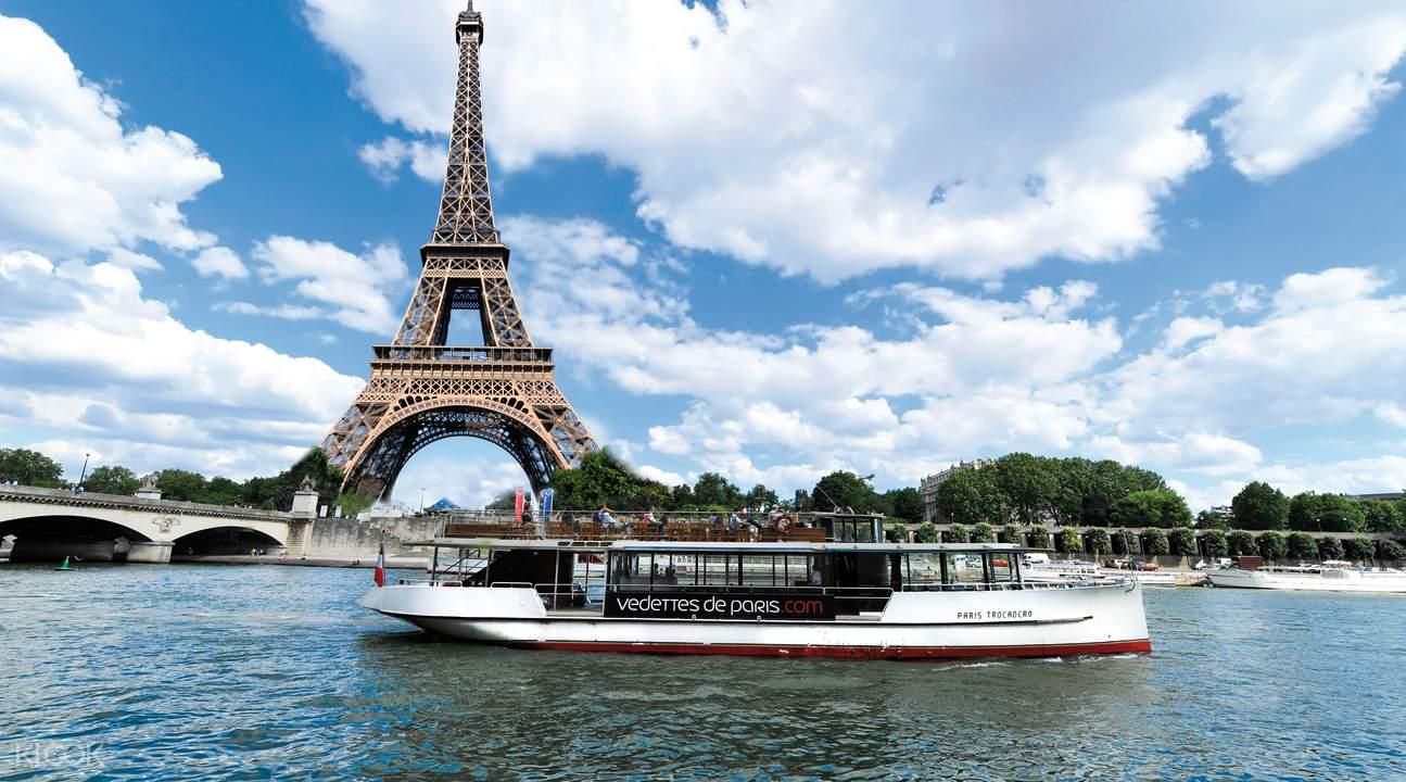 ทัวร์ล่องเรือในแม่น้ำแซน (Seine) พร้อมแชมเปญหรืออาหารว่างเพิ่มเติม โดย  Vedettes de Paris