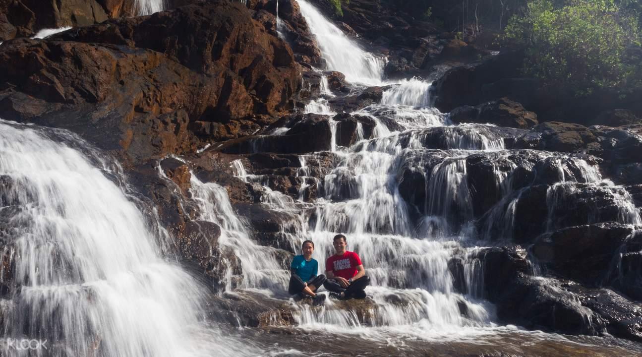 bacungan waterfalls palawan