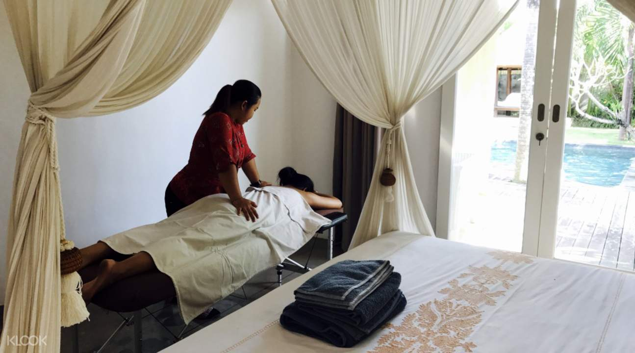 in villa spa and massage a la carte treatments
