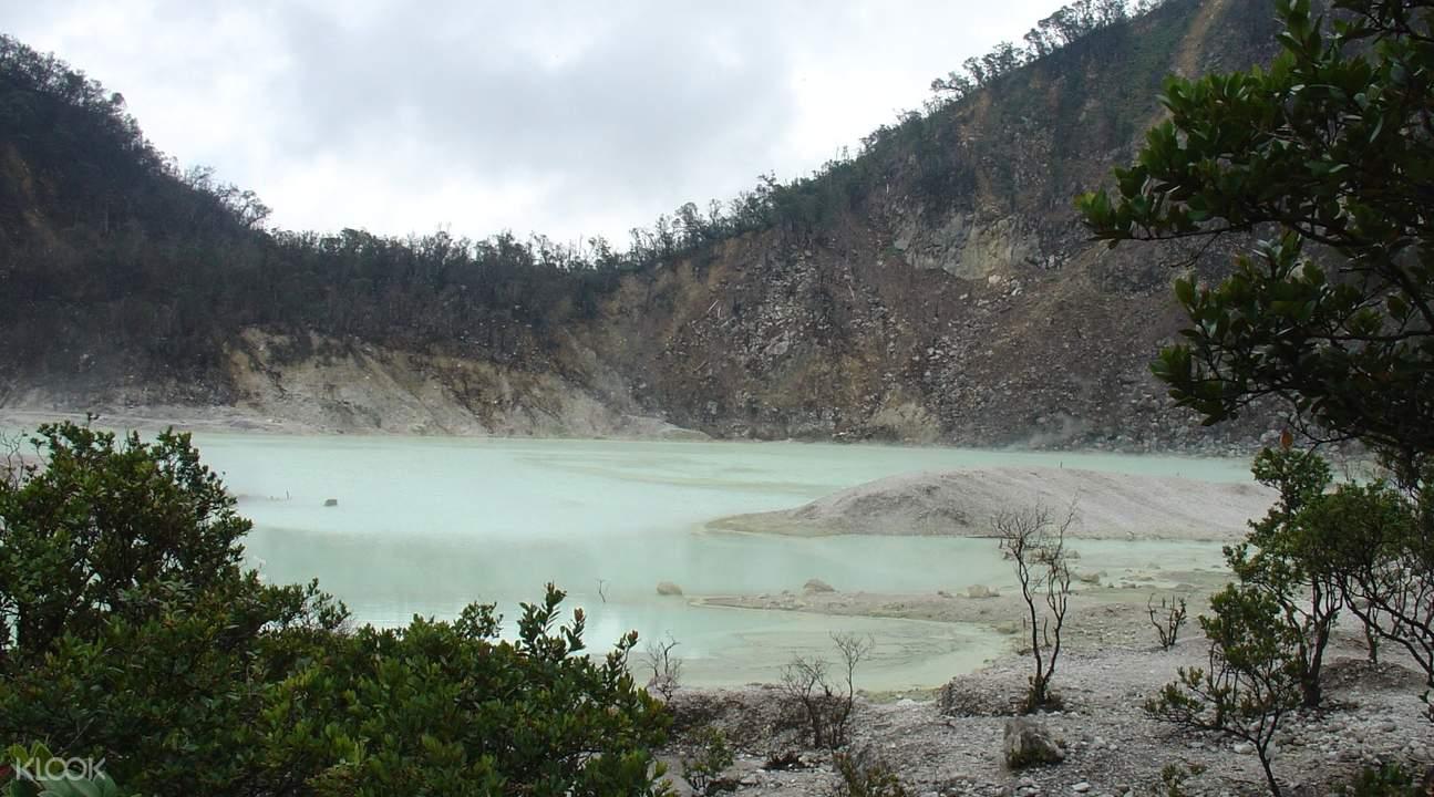 万隆卡瓦普定火山湖
