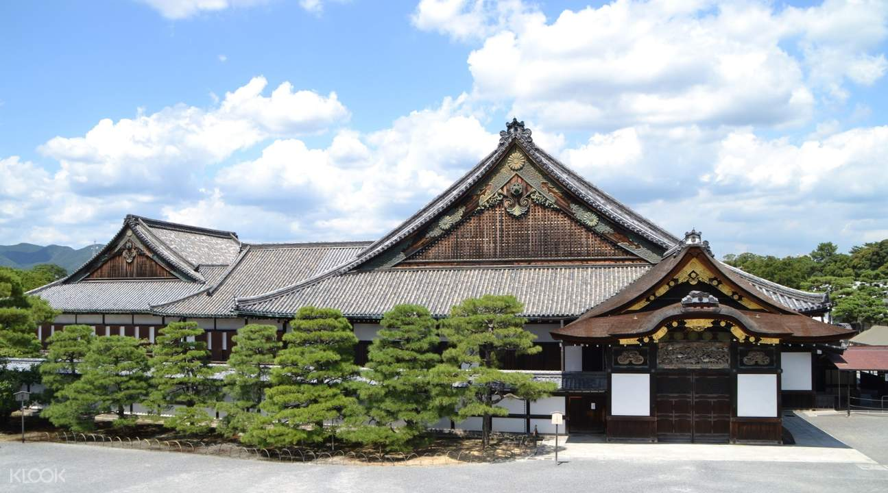 exterior of ninomaru castle