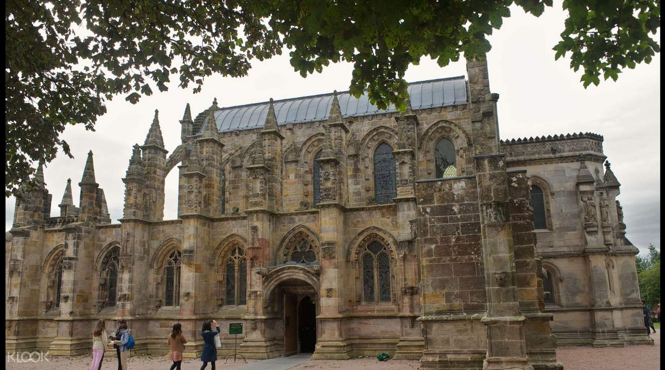 rosslyn chapel with guests