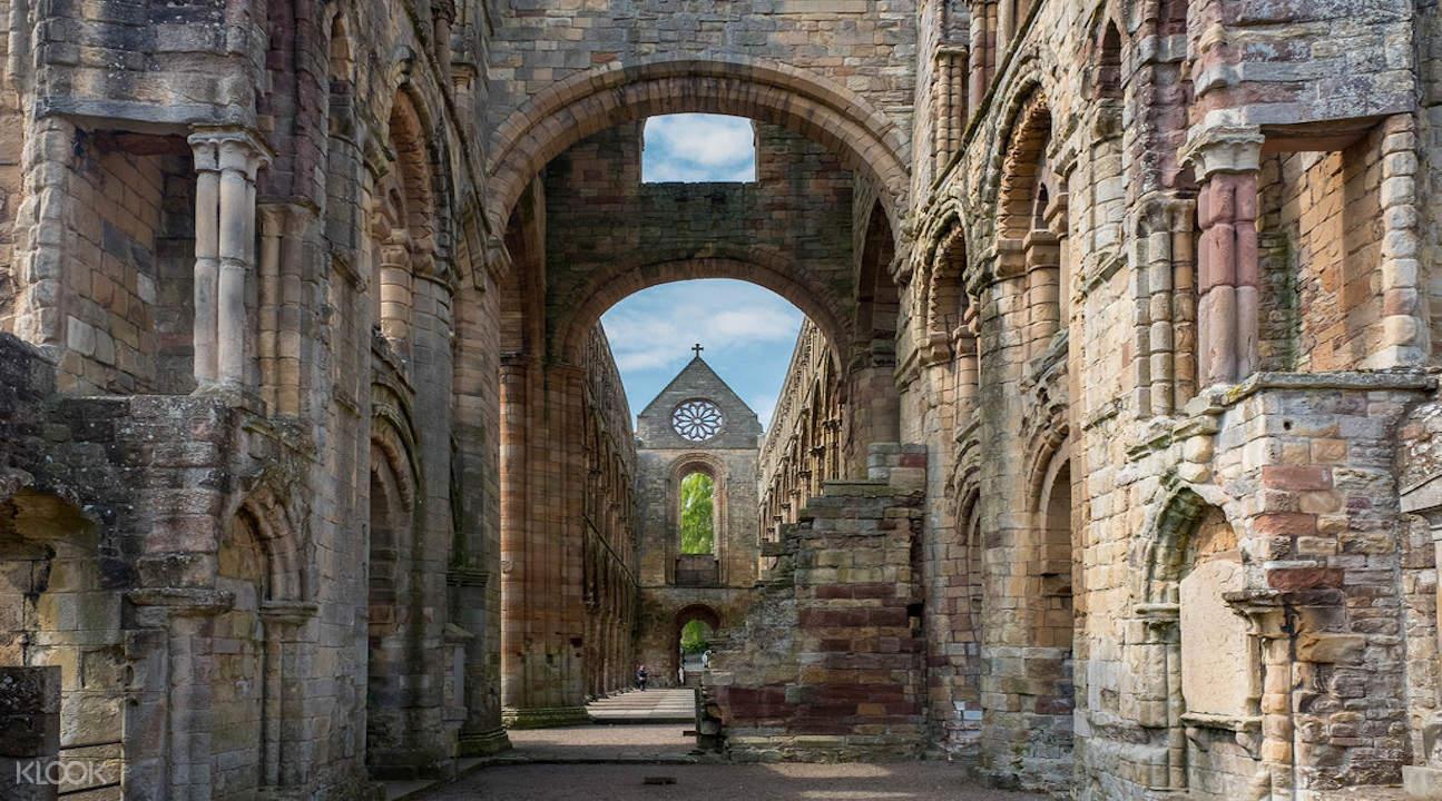 roman britain tours, scottish borders tour, scottish borders tour from edinburgh, jedburgh scotland, jedburgh visit scotland