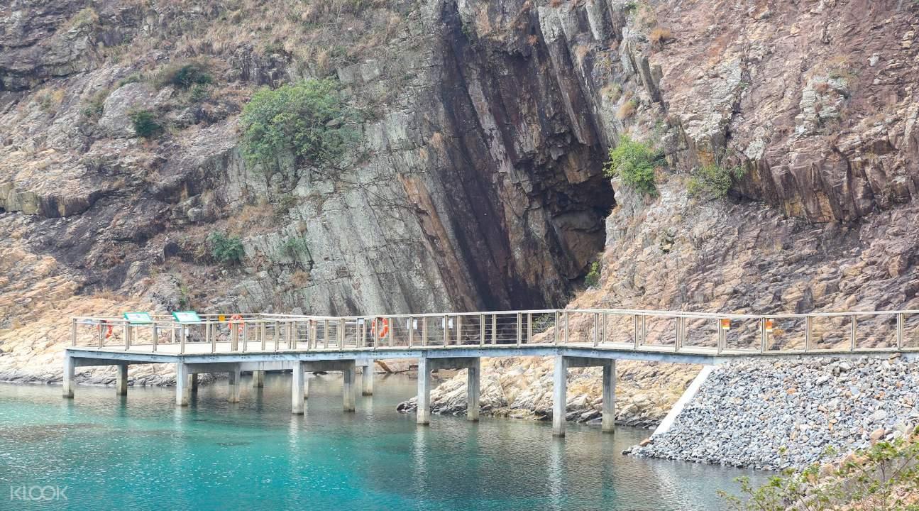 sea caves sai kung coastline geopark hiking tour hong kong