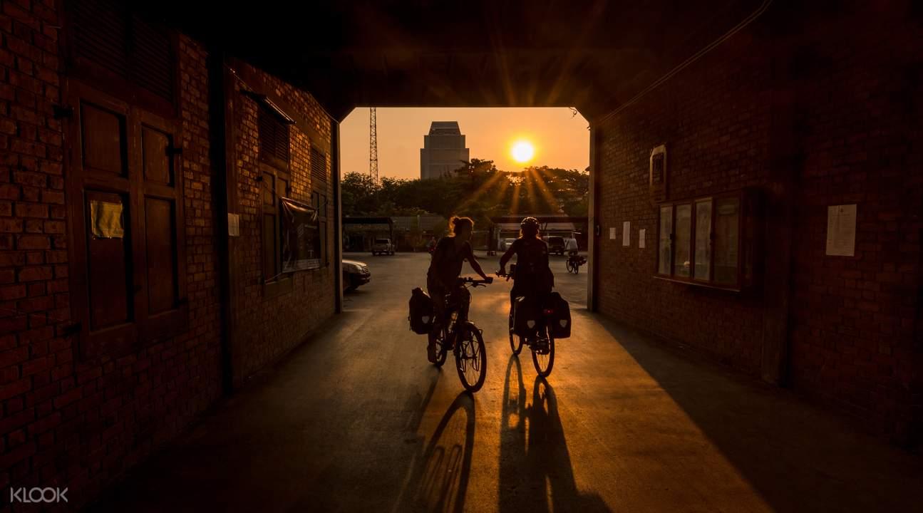 Bangkok Sunset Biking Tour