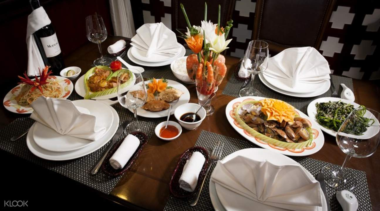 Halong Bay Cruise Lunch