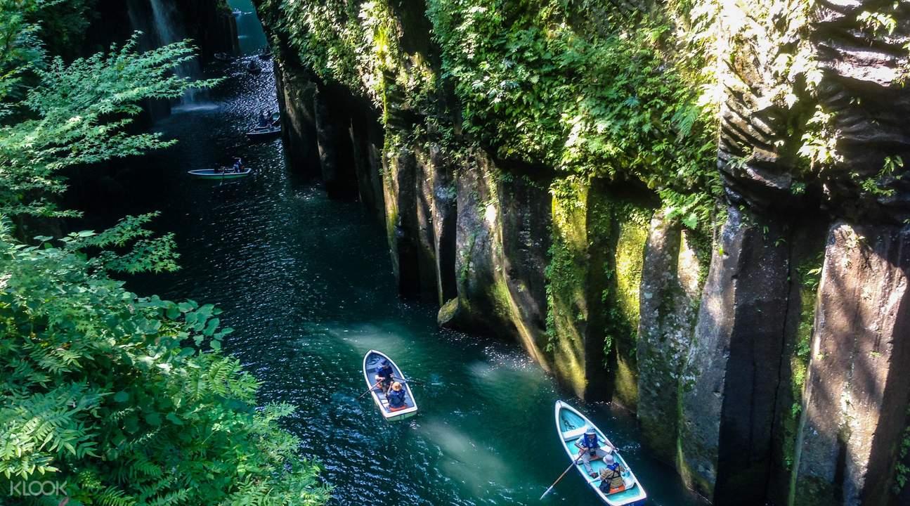 Takachiho Gorge boating
