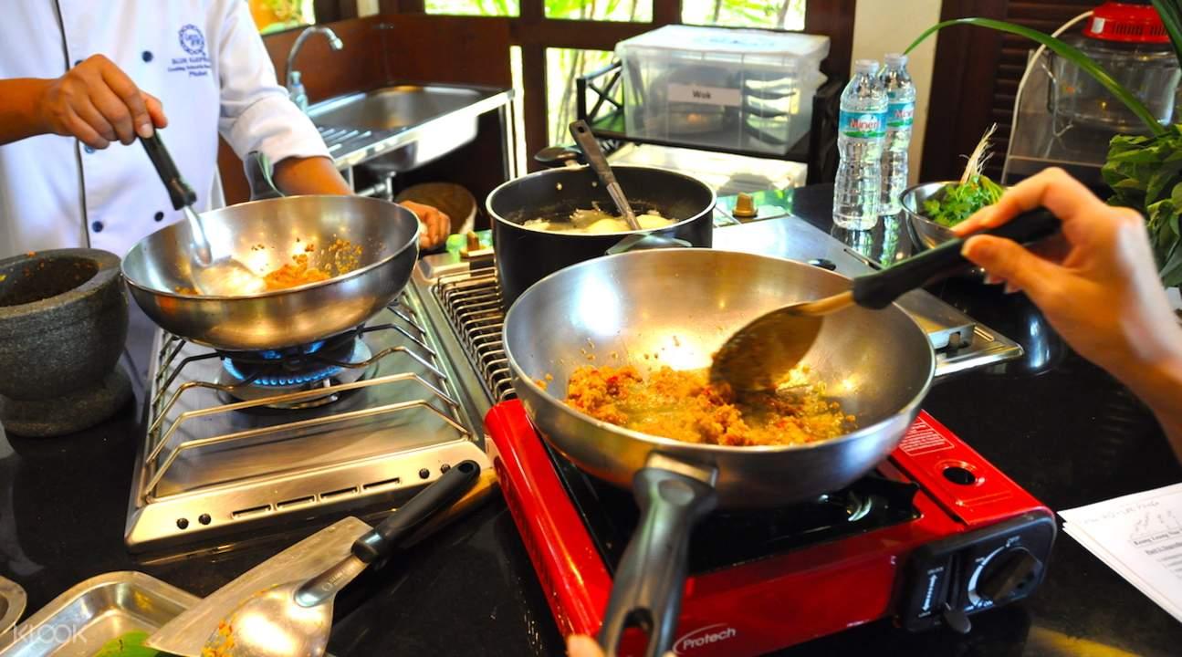 blue elephant cooking school equipment