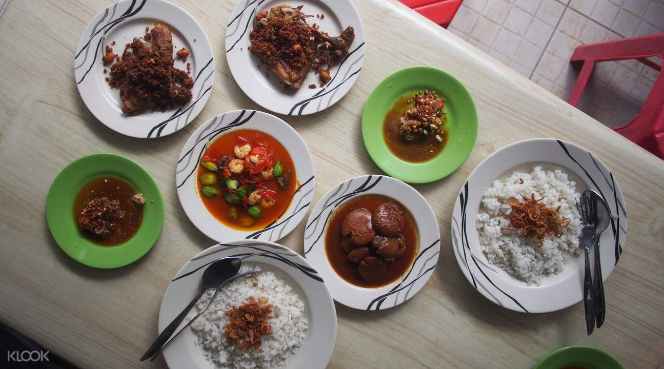 indonesian chinese cuisine food tour