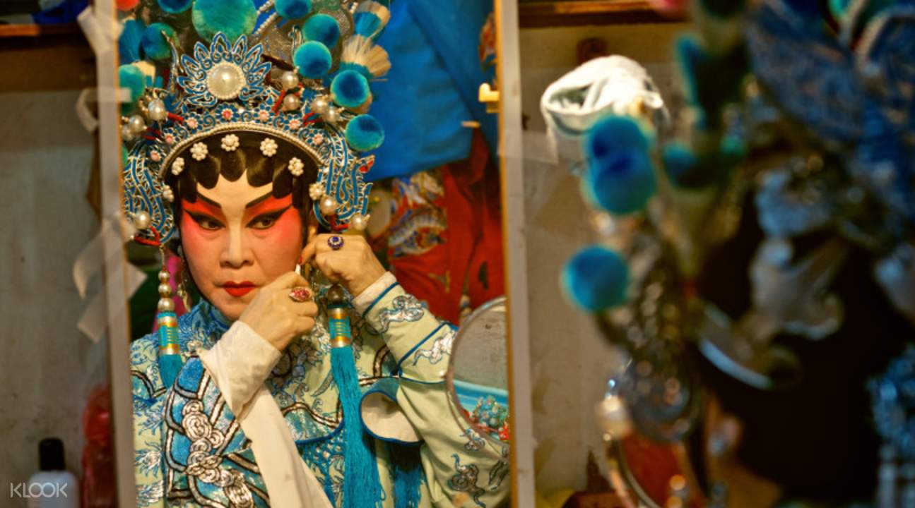 person in cantonese opera get up