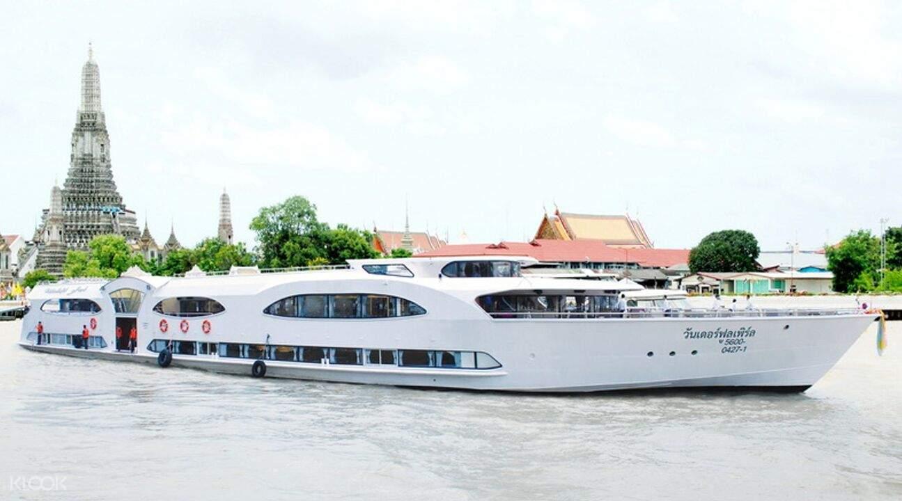 standard cruise on ayutthaya river
