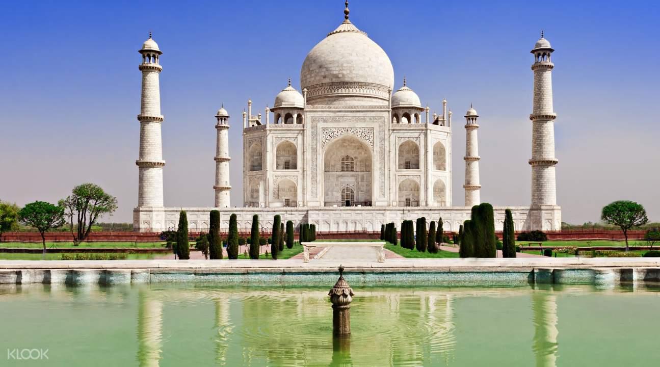 Taj Mahal water reflection
