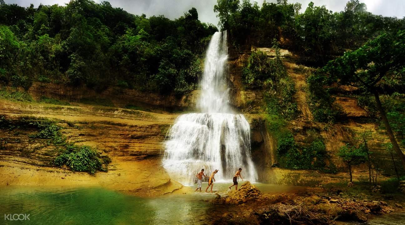 can-umantad falls in bohol