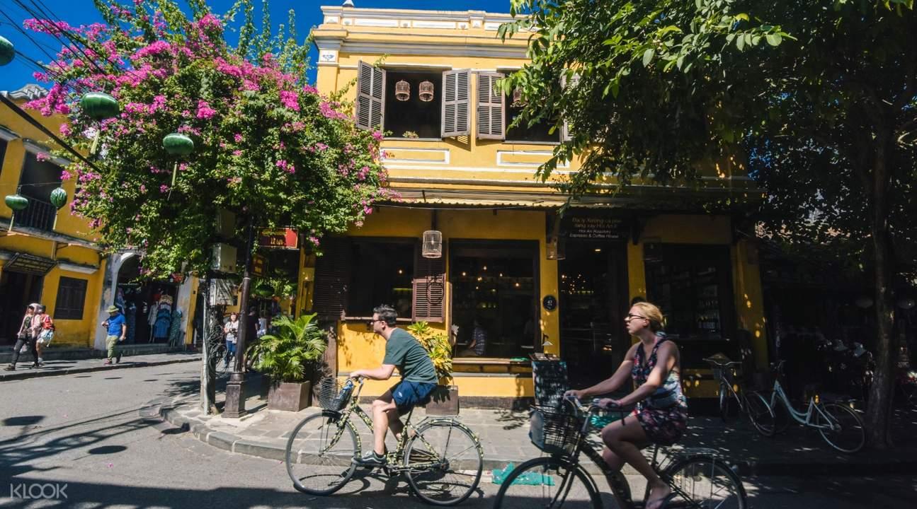 Wisata Sepeda Hoi An