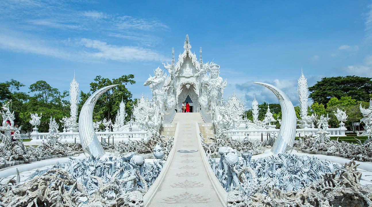 white temple chiang rai full day private tour