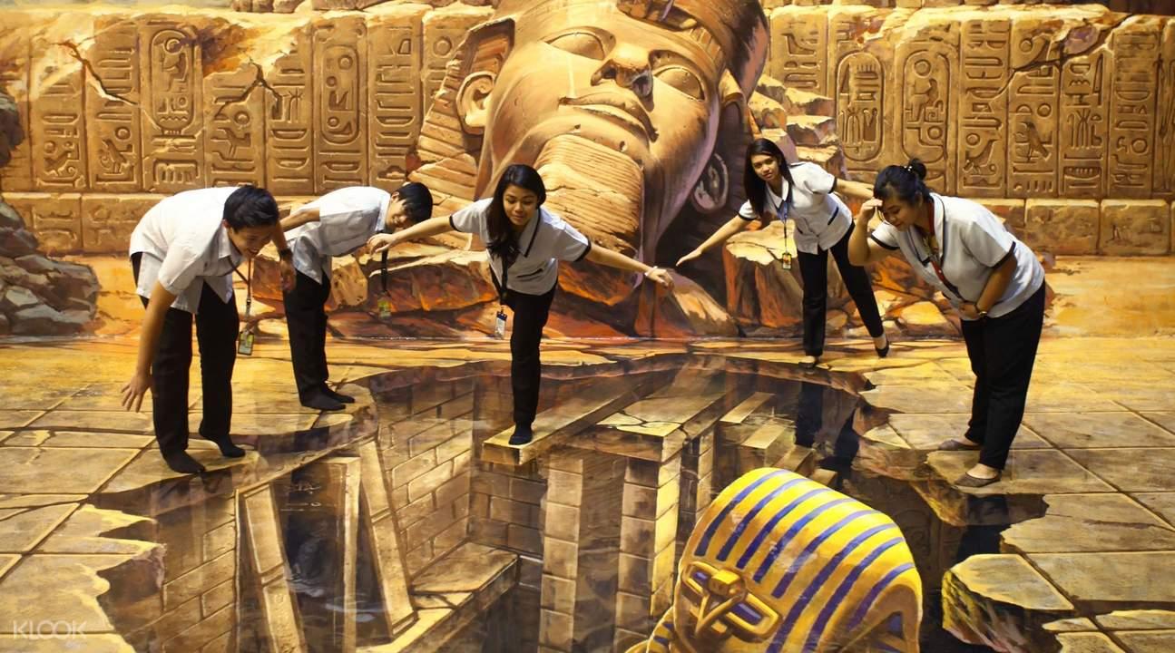อาร์ต อิน ไอแลนด์: พิพิธภัณฑ์ภาพวาด 3 มิติเชิงปฏิสัมพันธ์