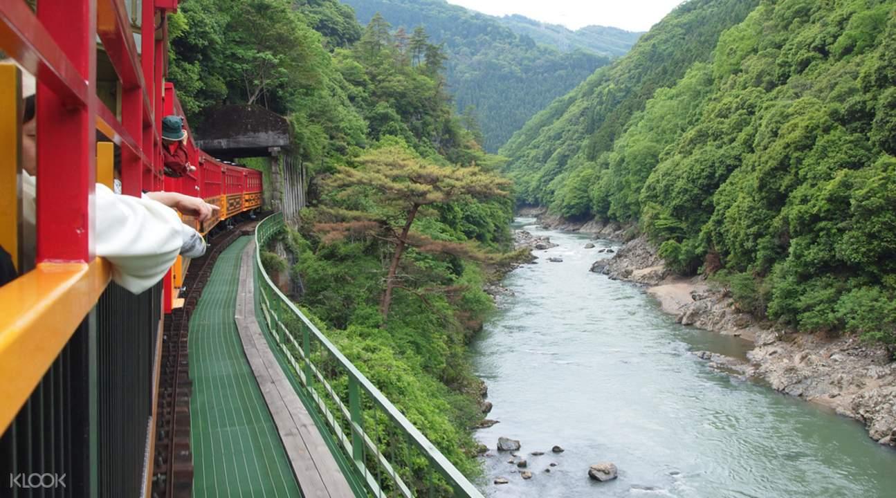 嵯峨野遊覽小火車