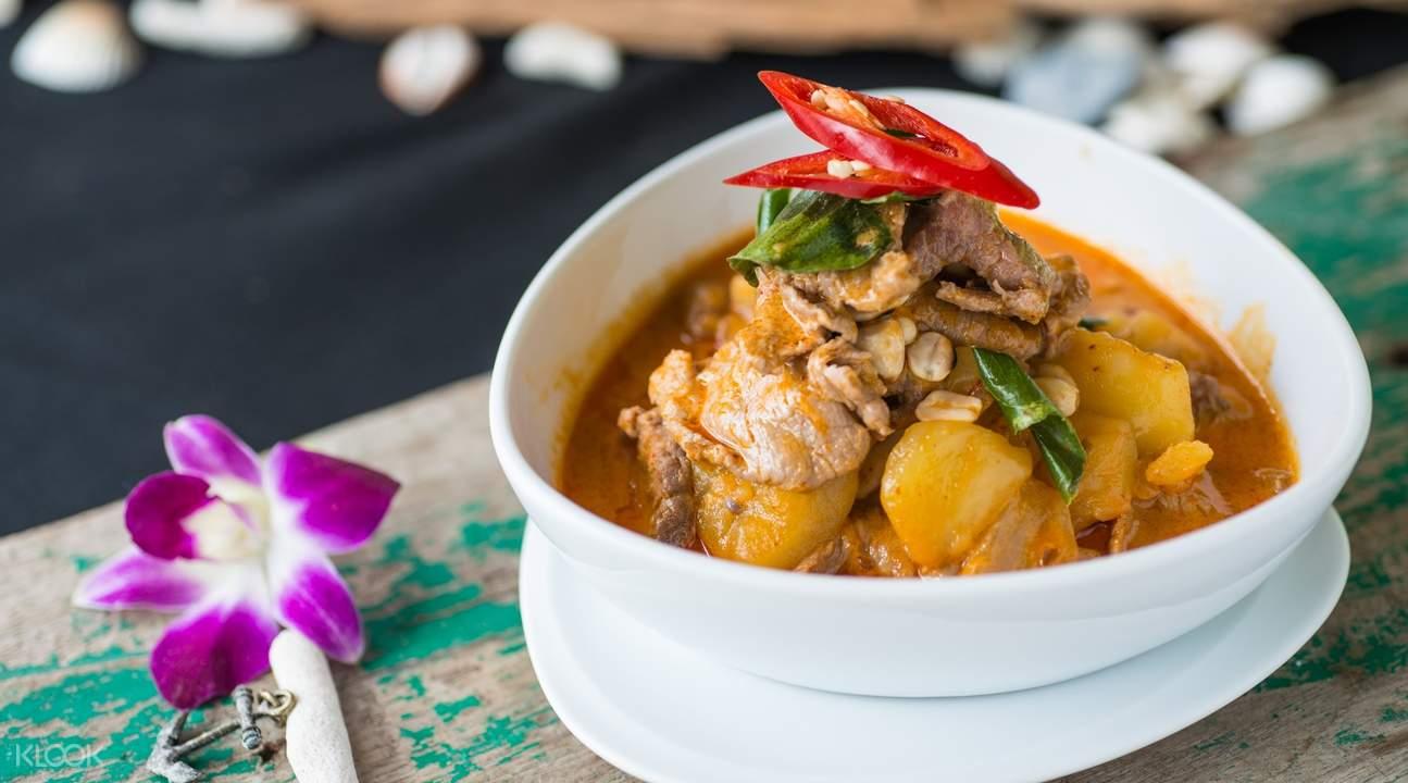 surf house thai food