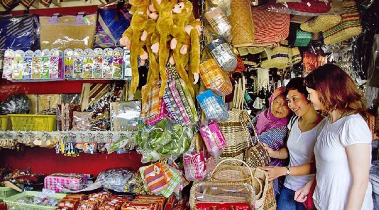 filipino market kota kinabalu city night tour with seafood dinner