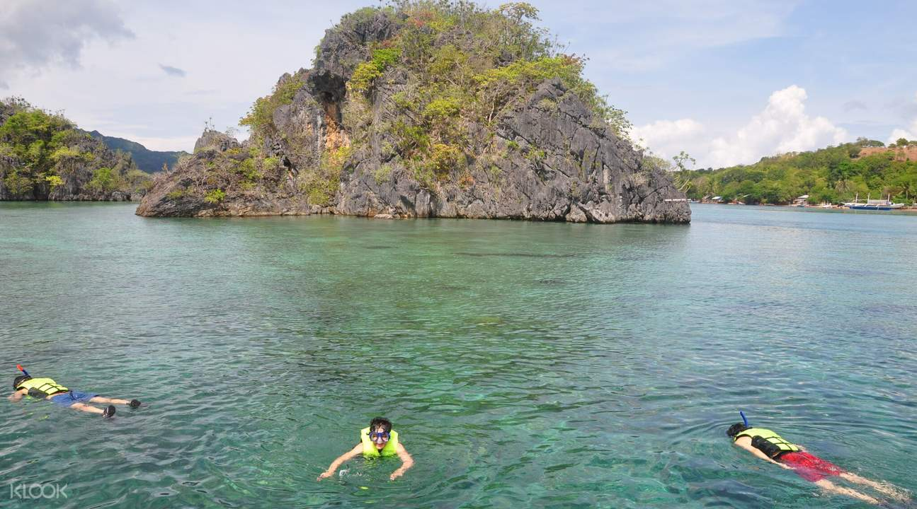 clear waters of Coron