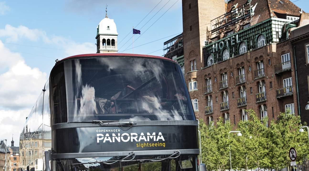 Castle Tour bus