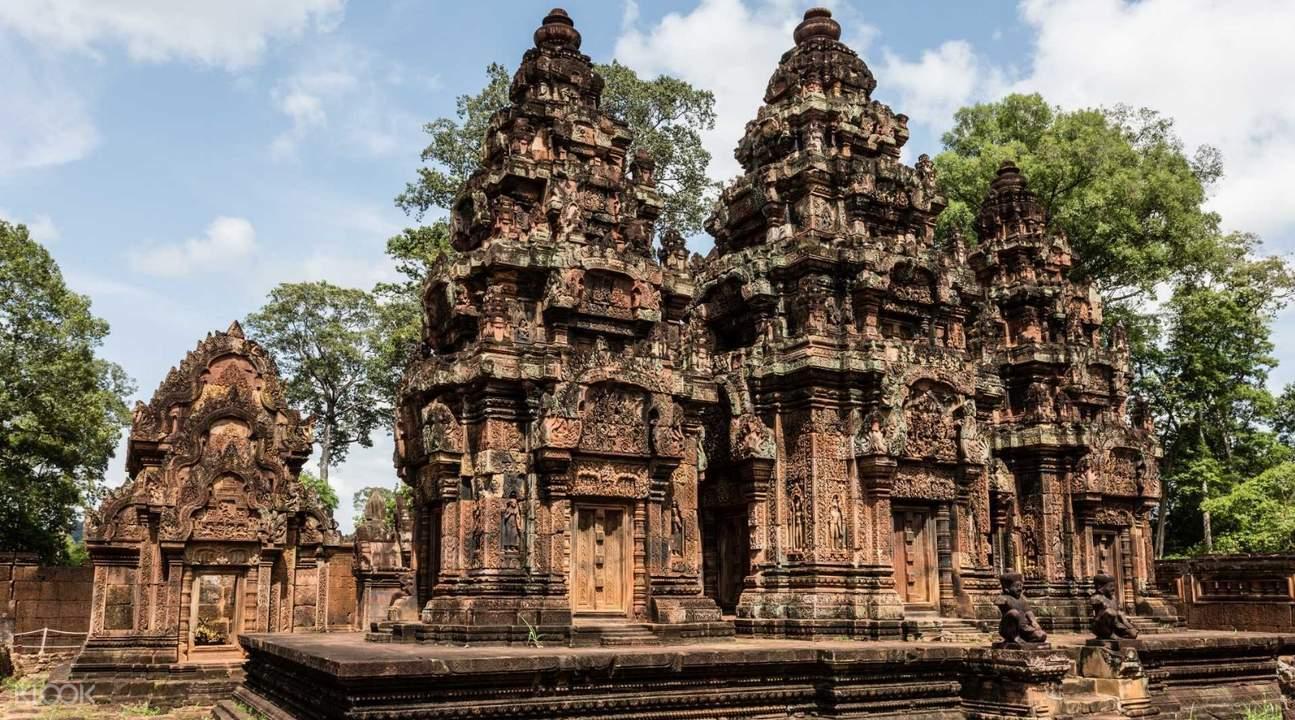 banteay srei temple angkor temples grand circuit tour by tuk tuk siem reap cambodia