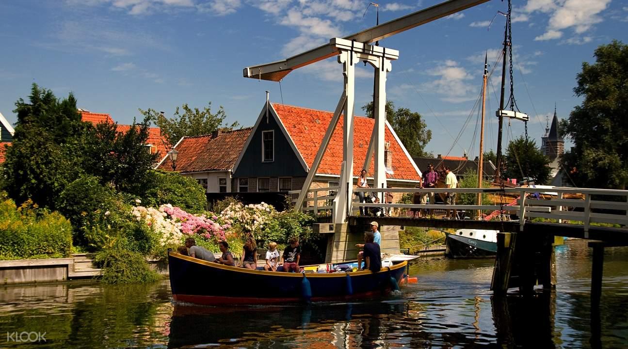 tour of Volendam