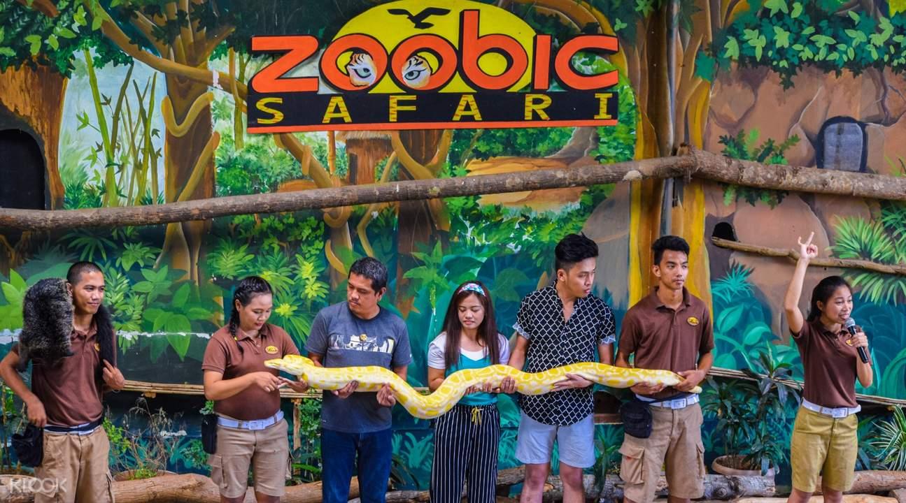 Live animal show at Zoobic Safari in Subic