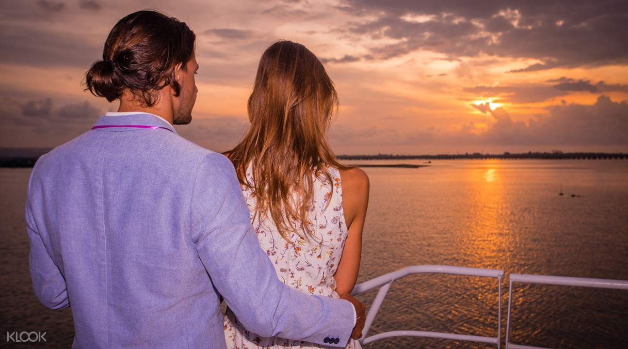 Sunset cruise Bali