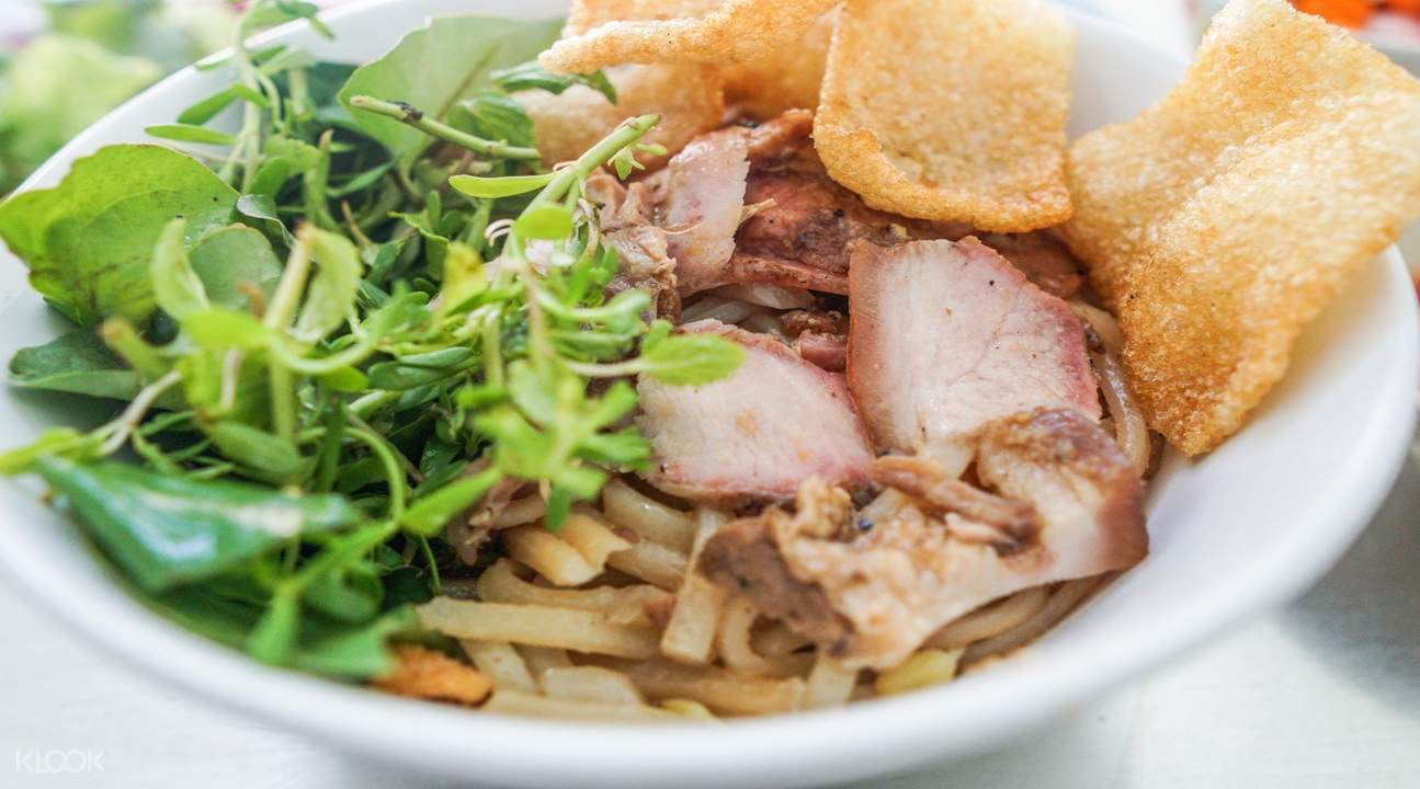 Cao Lau (Rice Noodles With Barbecued Pork, Greens And Croutons)
