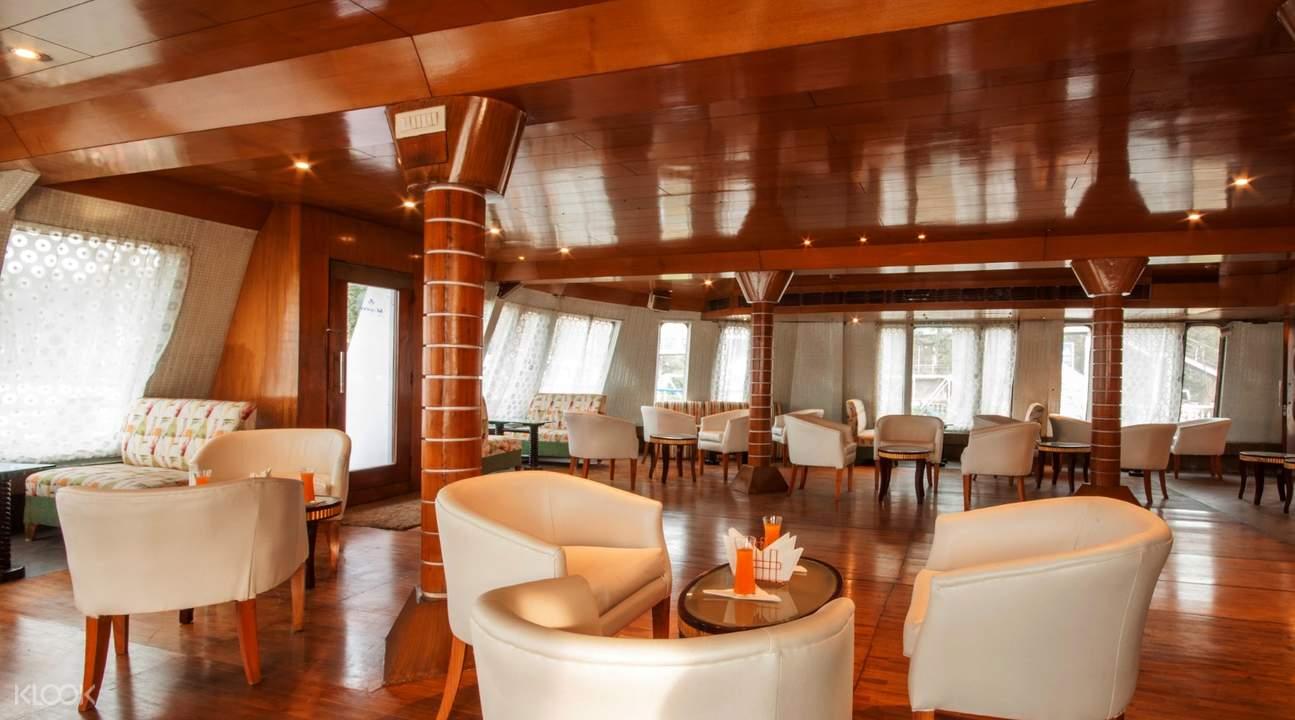 stylish cruise lounge