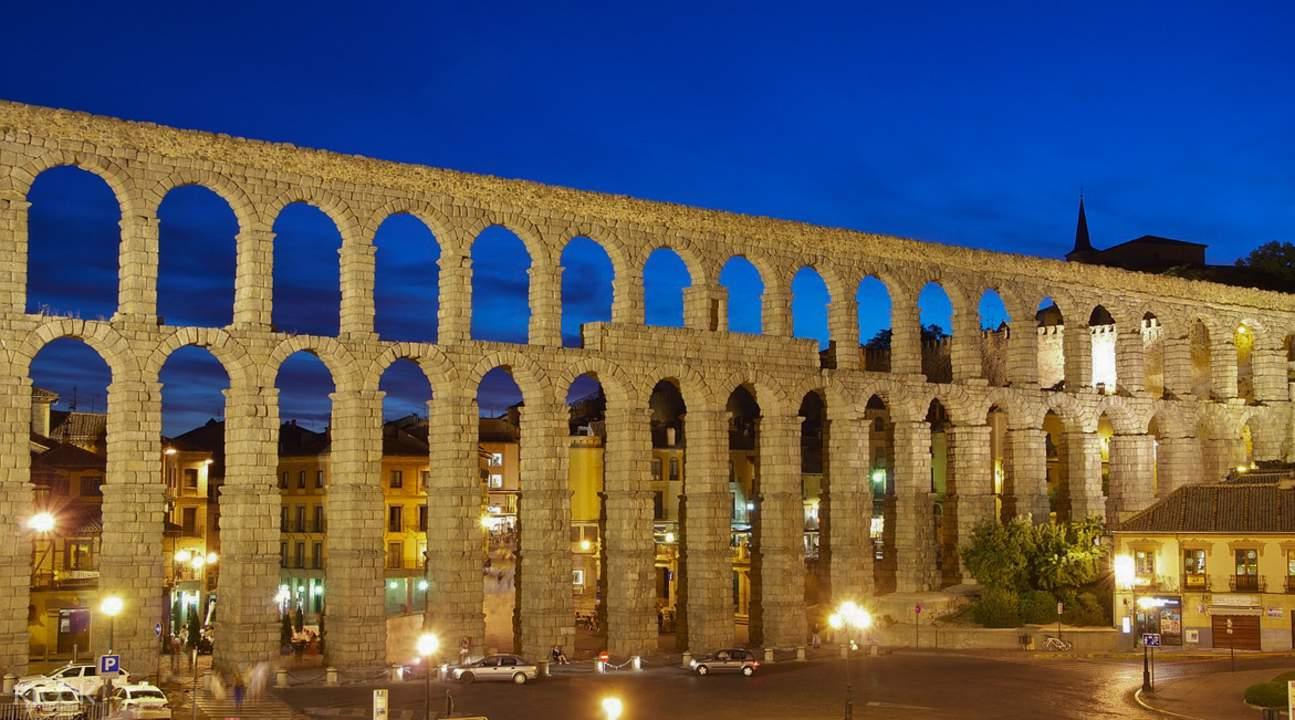 avila and segovia tour madrid, roman aqueduct segovia
