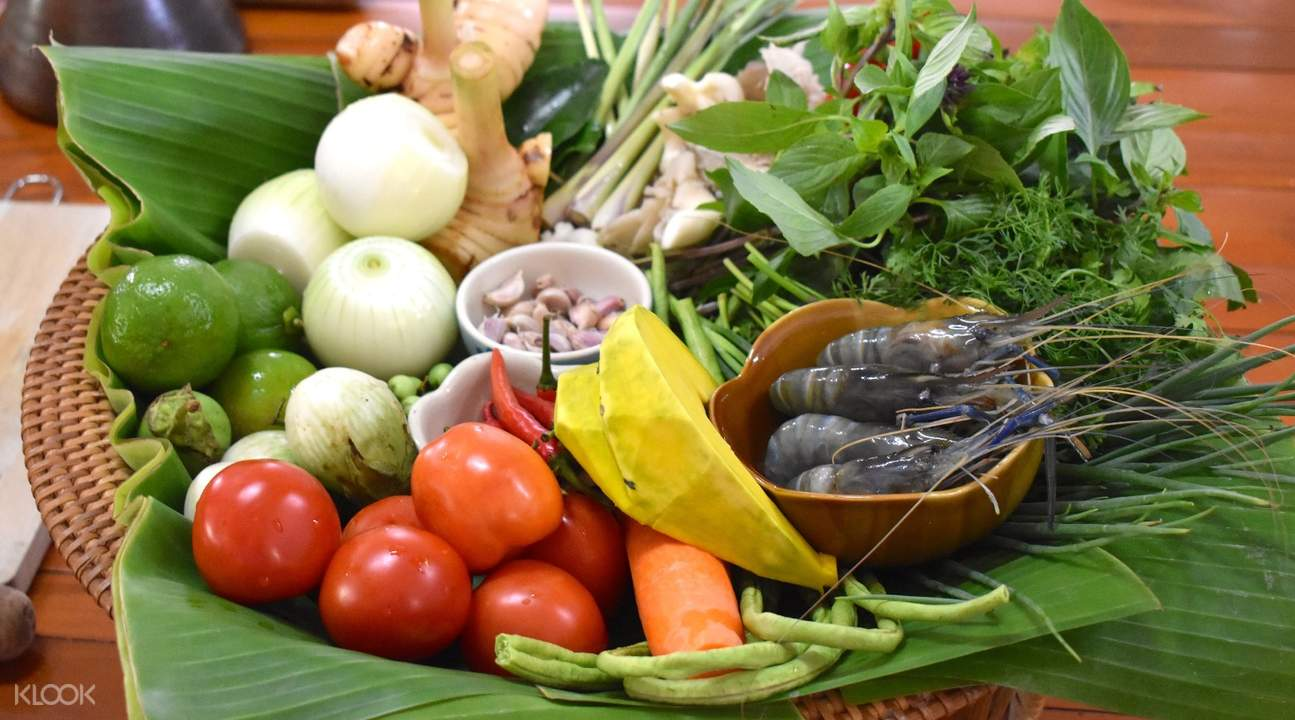 Chiang Rai Fresh Market Suwannee Thai Cooking Class with Market Tour