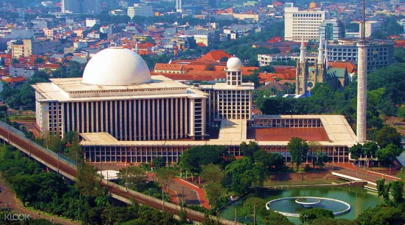 jakarta historical tour indonesia Istiqlal mosque