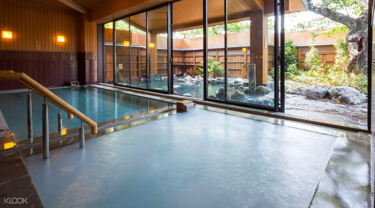 indoor communal bath at fu fu no yu onsen