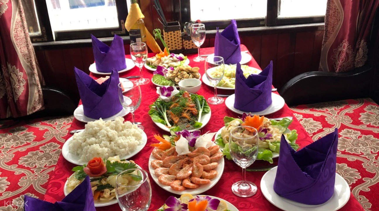 seafood lunch served on the boat