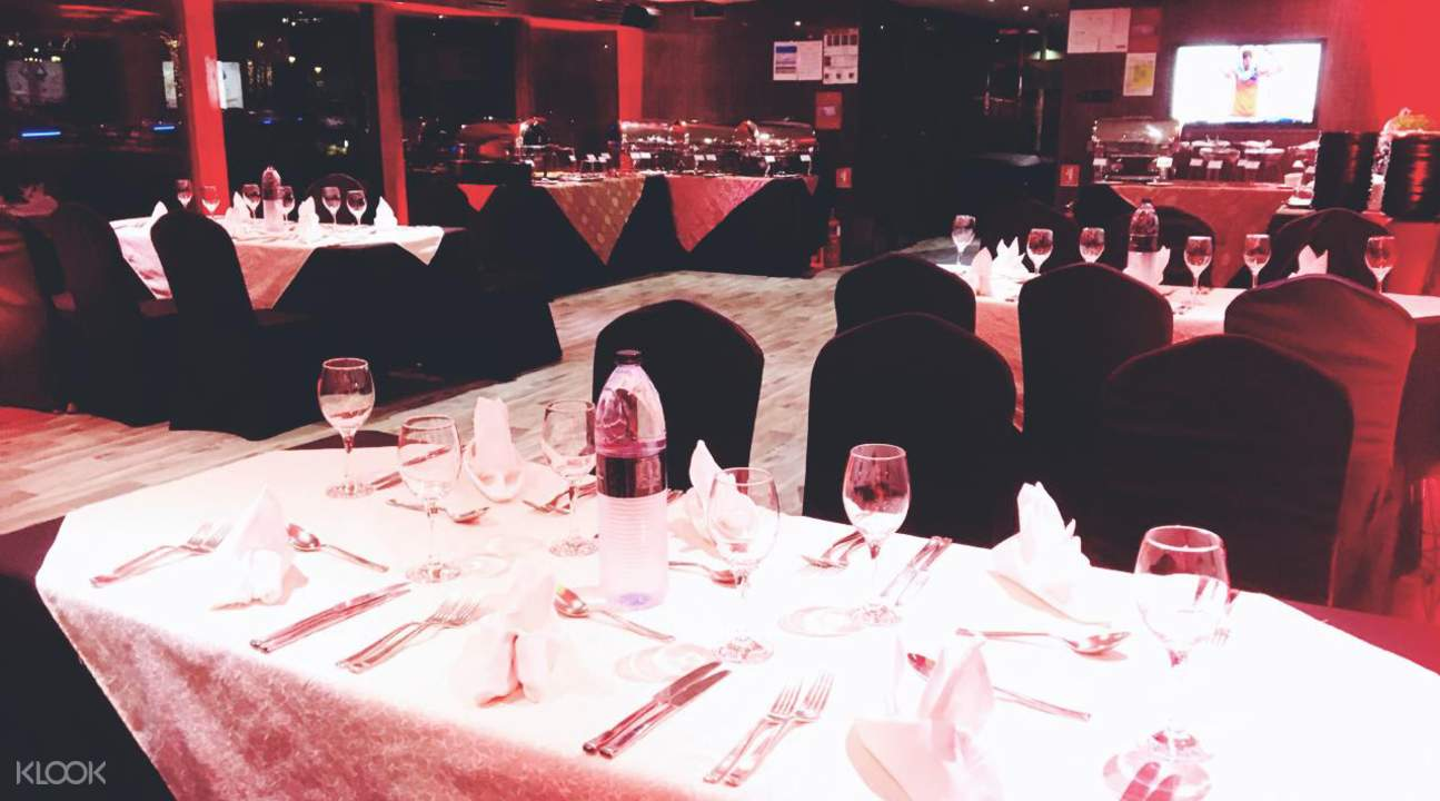 international buffet at dubai marina