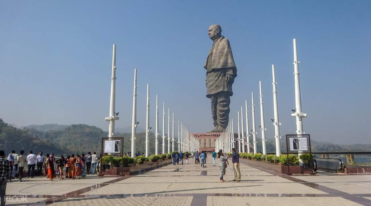 side view of statue of unity
