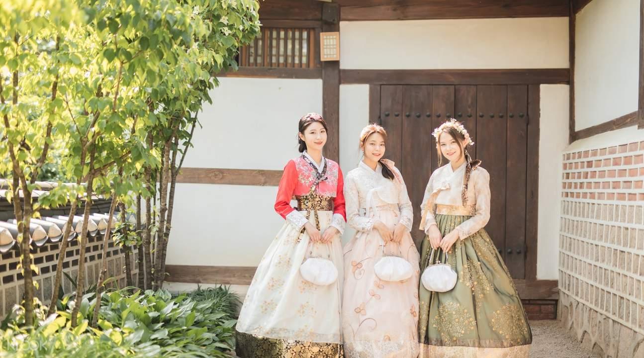 traditional hanbok