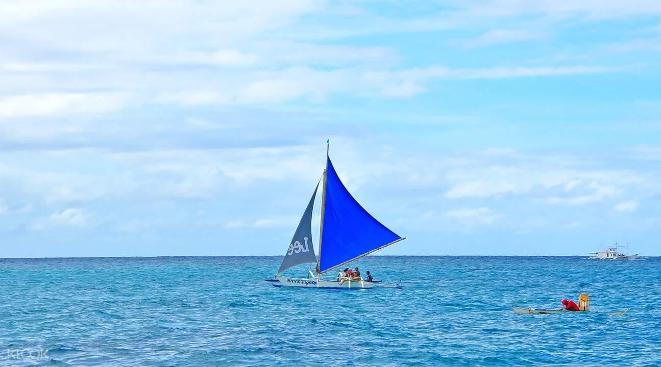 sunset paraw sailing boracay