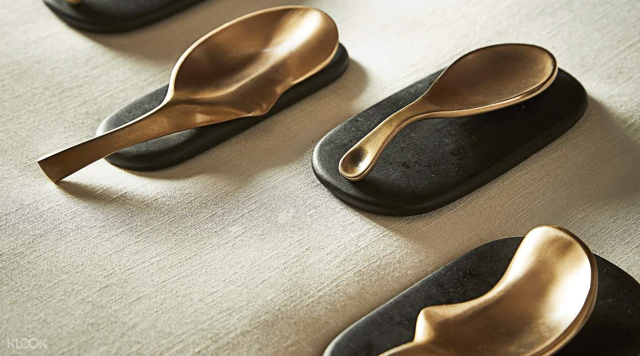 a picture of the Korean bronze implements; they look like spoons