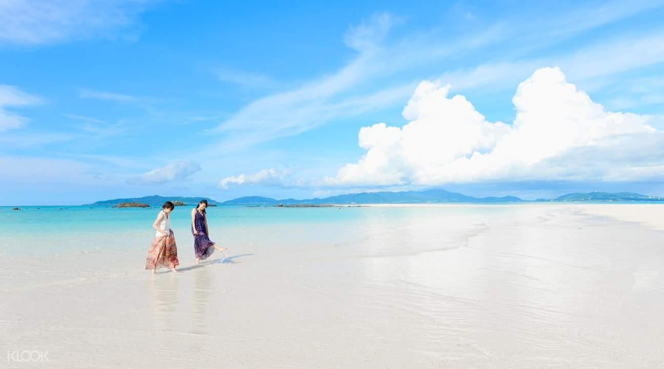 Two people on Hamajima Island