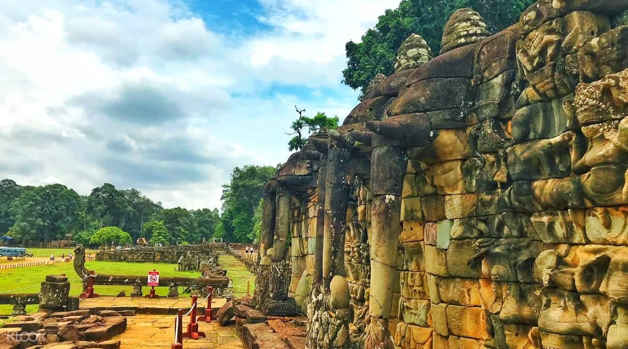 terrace of the elephants sunrise angkor temples small circuit tour by tuk tuk siem reap cambodia