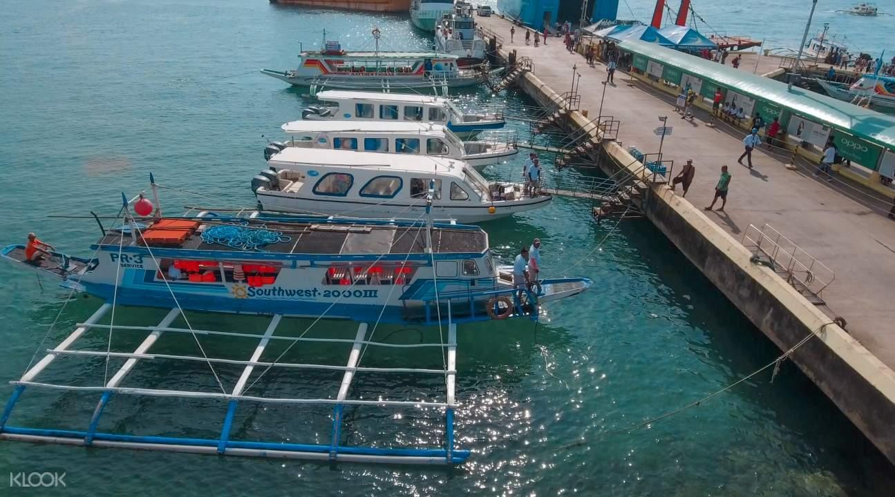 boats docked in Caticlan Jetty Port