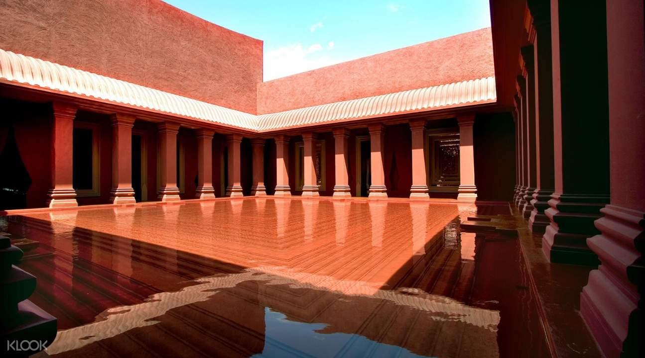 courtyard of the barai spa hyatt regency hua hin